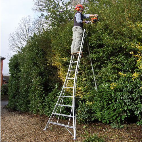 14 Tread Standard Tripod Ladder