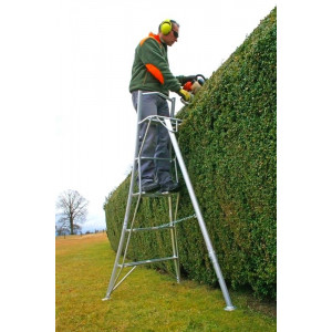 HENCHMAN Platform Tripod Ladder 1.8m with 3 adjustable legs
